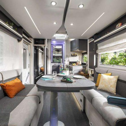Camping-car Profile 270 Graphite Edition Premium intérieur